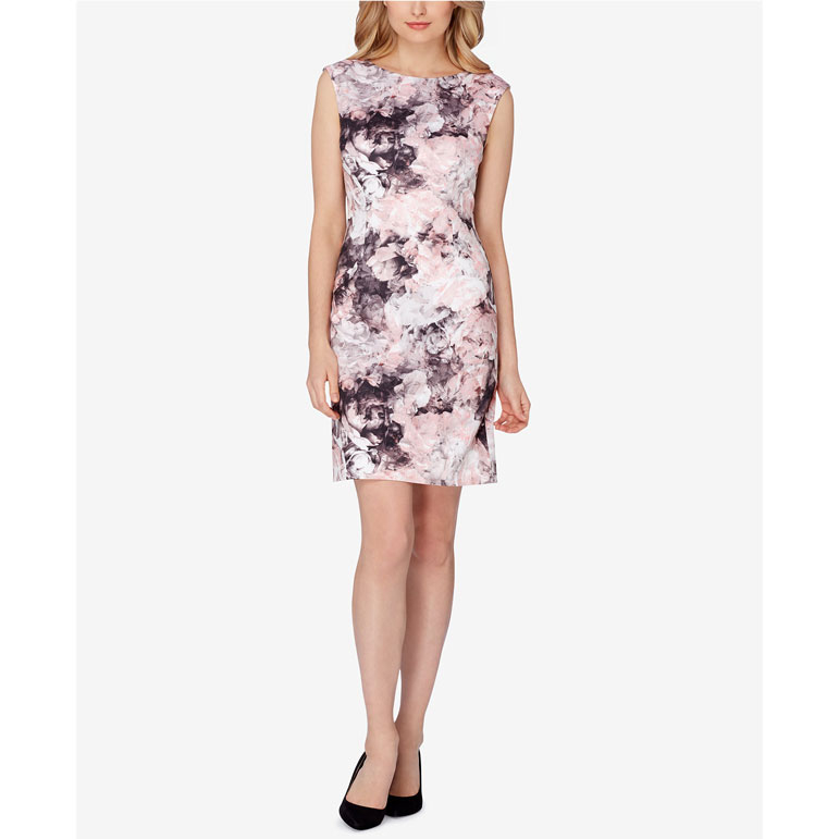 8f3561cd211 You can t go wrong with a knee-length floral print dress. And