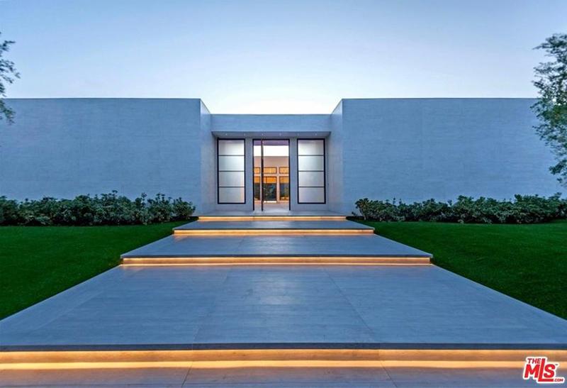 Kris Jenner La Quinta Real Estate Mansion $12 Million Sale ...